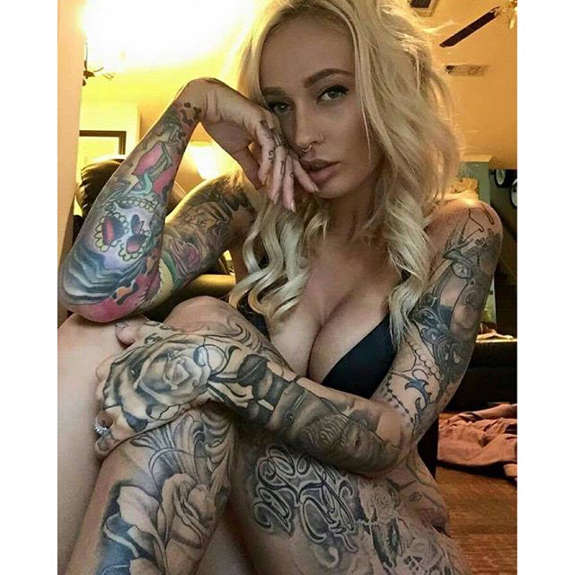 Blonde tattooed girls.